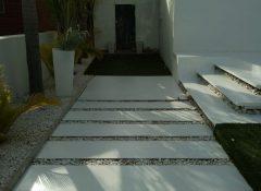 רצפת בטון מוחלק בגינת בית פרטי